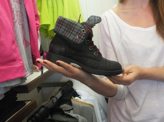 Roxy Crosby Boots